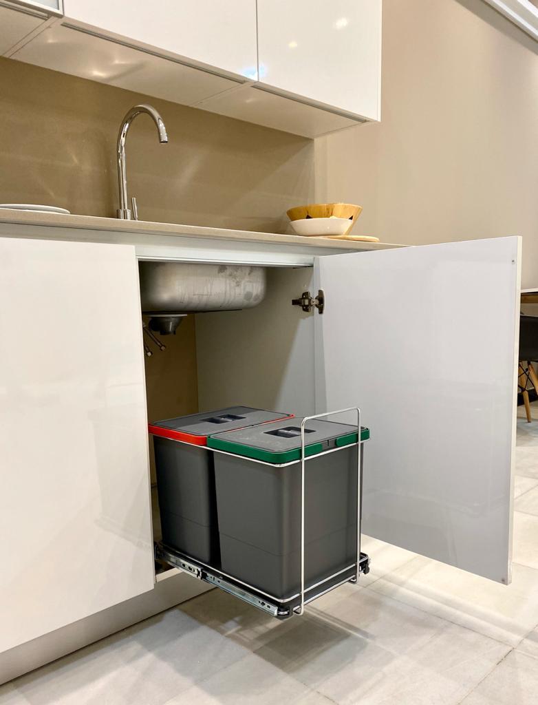Vincula-cocina-detalle-espacio-reciclaje